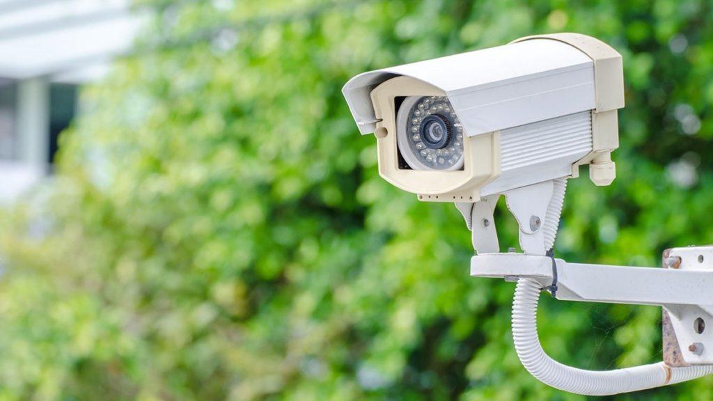 Camera anh ninh ngoài trời chịu được nắng mưa khắc nghiệt
